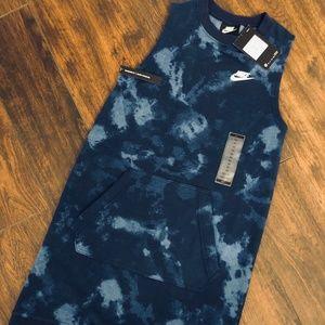 Nike Women's Sportswear Club Dress